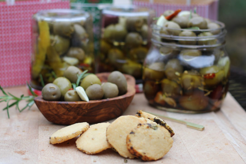 Marinated Olives with Smoked Cheddar Crackers