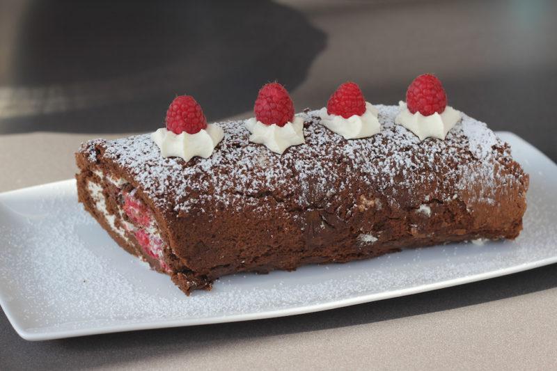 Chocolate Roulade with Raspberry Cream